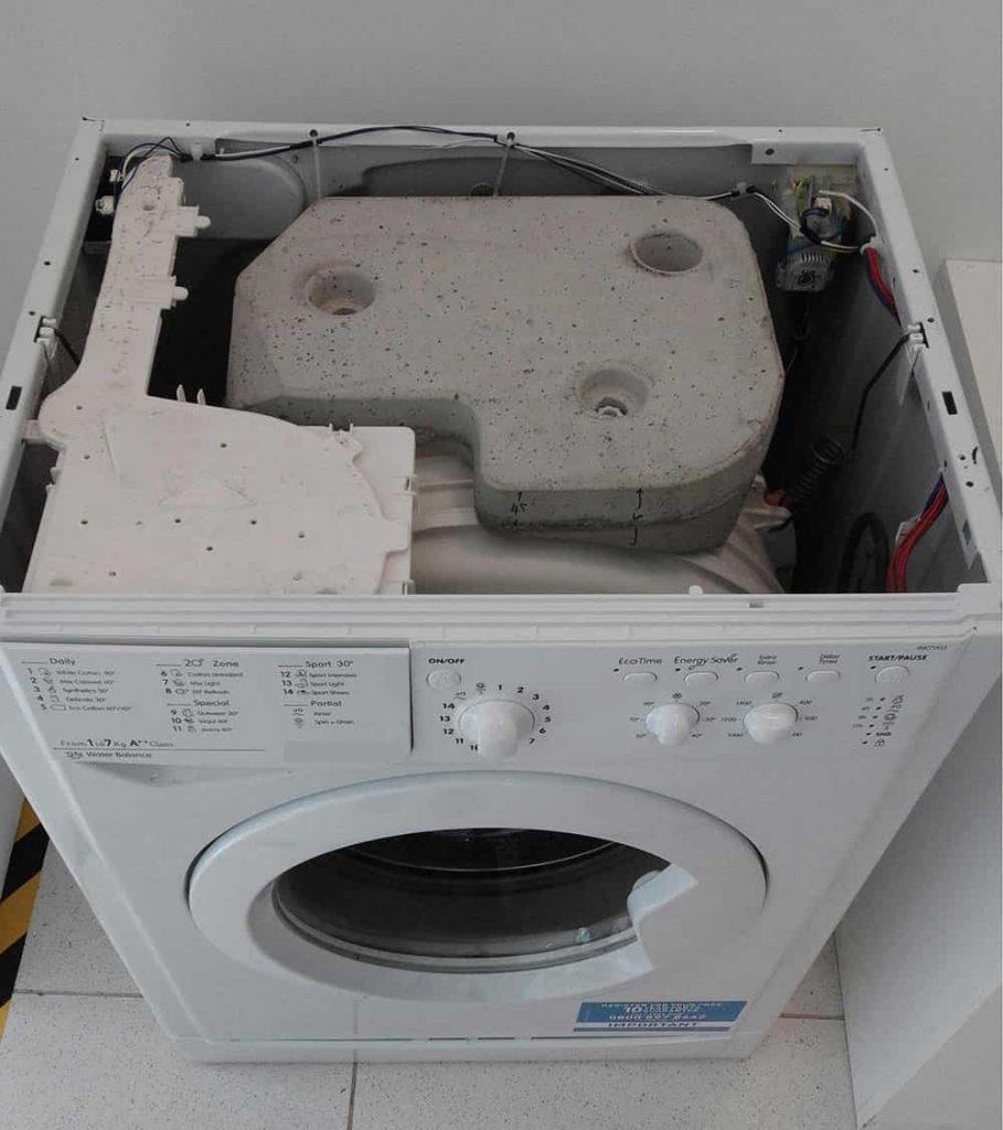 Верхний противовес или нагрузочный камень в стиральной машине
